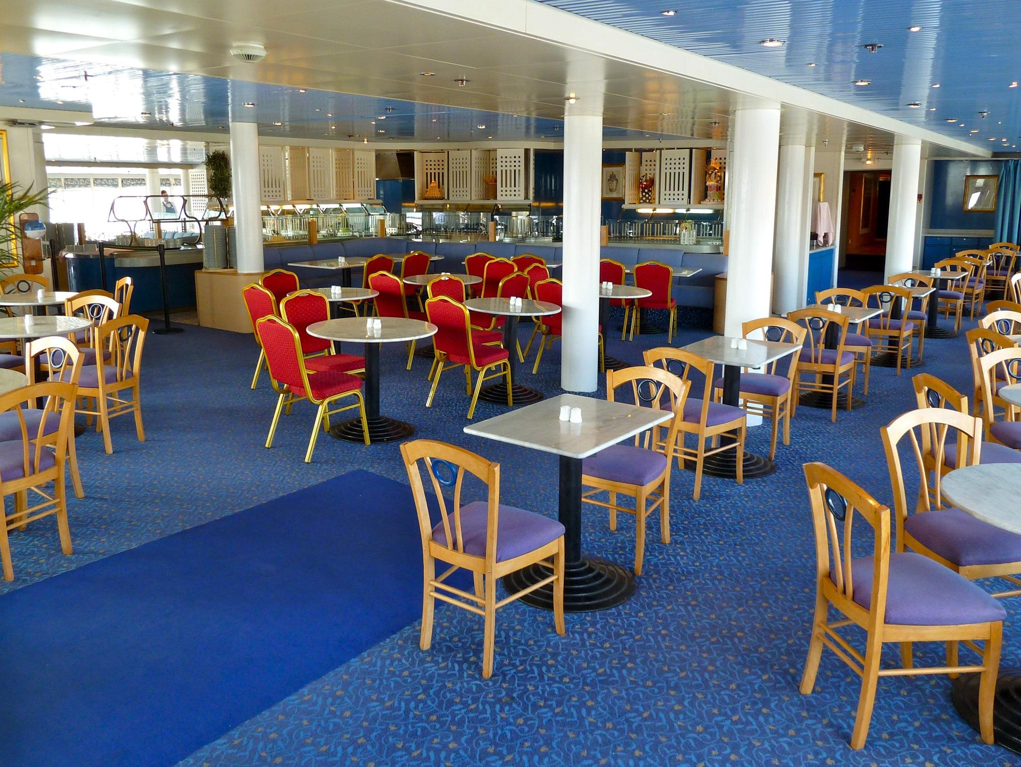 Used for breakfast, lunch, tea and casual themed dinners, Marcos Restaurant is a 370-seat buffet-style dining venue on aft Magellan Deck.