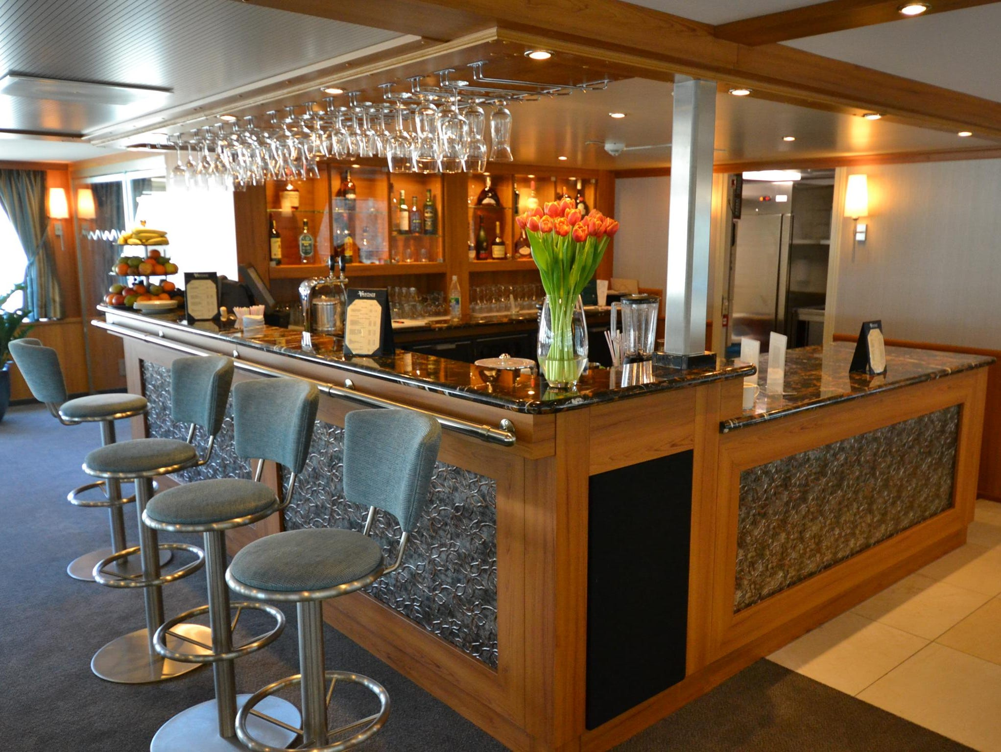 Called the Latitude 52 Lounge, the main lounge of the River Discovery II is home to its bar, which is open in the evenings. The lounge features nightly entertainment from an on-board keyboardist as well as local performers who visit during select port calls.