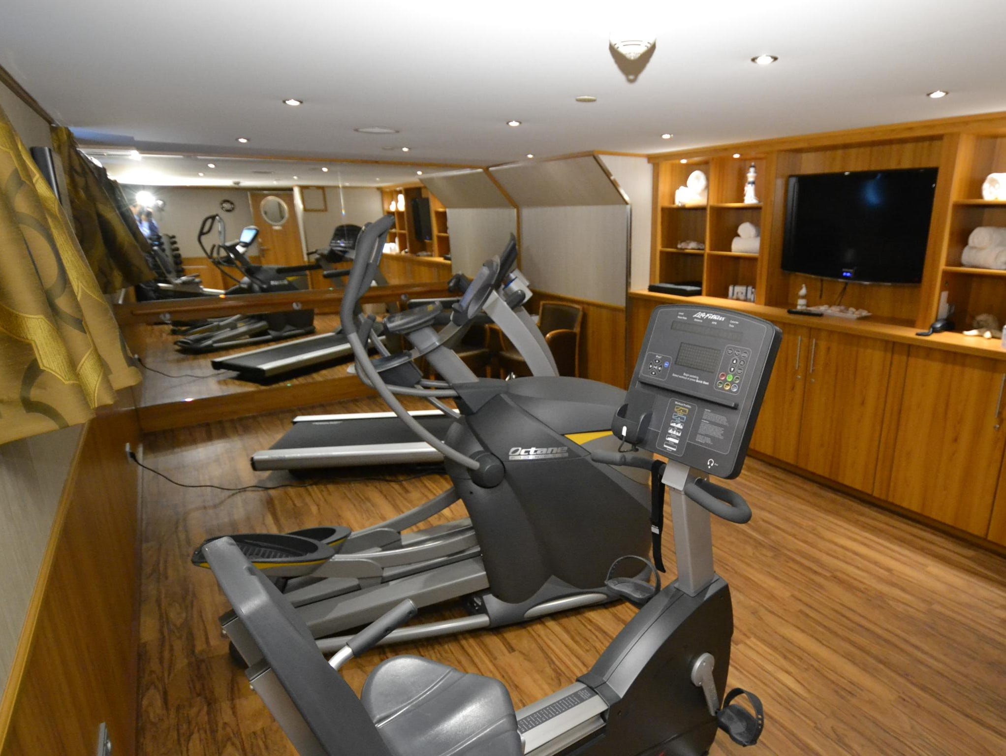 River Discovery II has a small fitness room with a single treadmill, a stationary bicycle, free weights and a step machine.