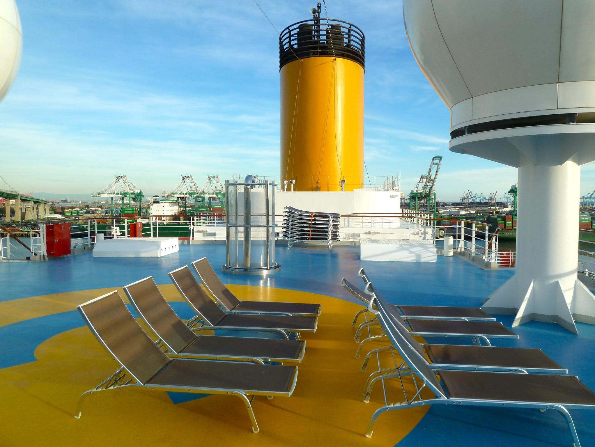 The ship's uppermost level, Girasole Deck (12), is composed of two sunning and observation platforms. The forward portion of Girasole Deck is encircled by the jogging and rollerskating track on the deck below.