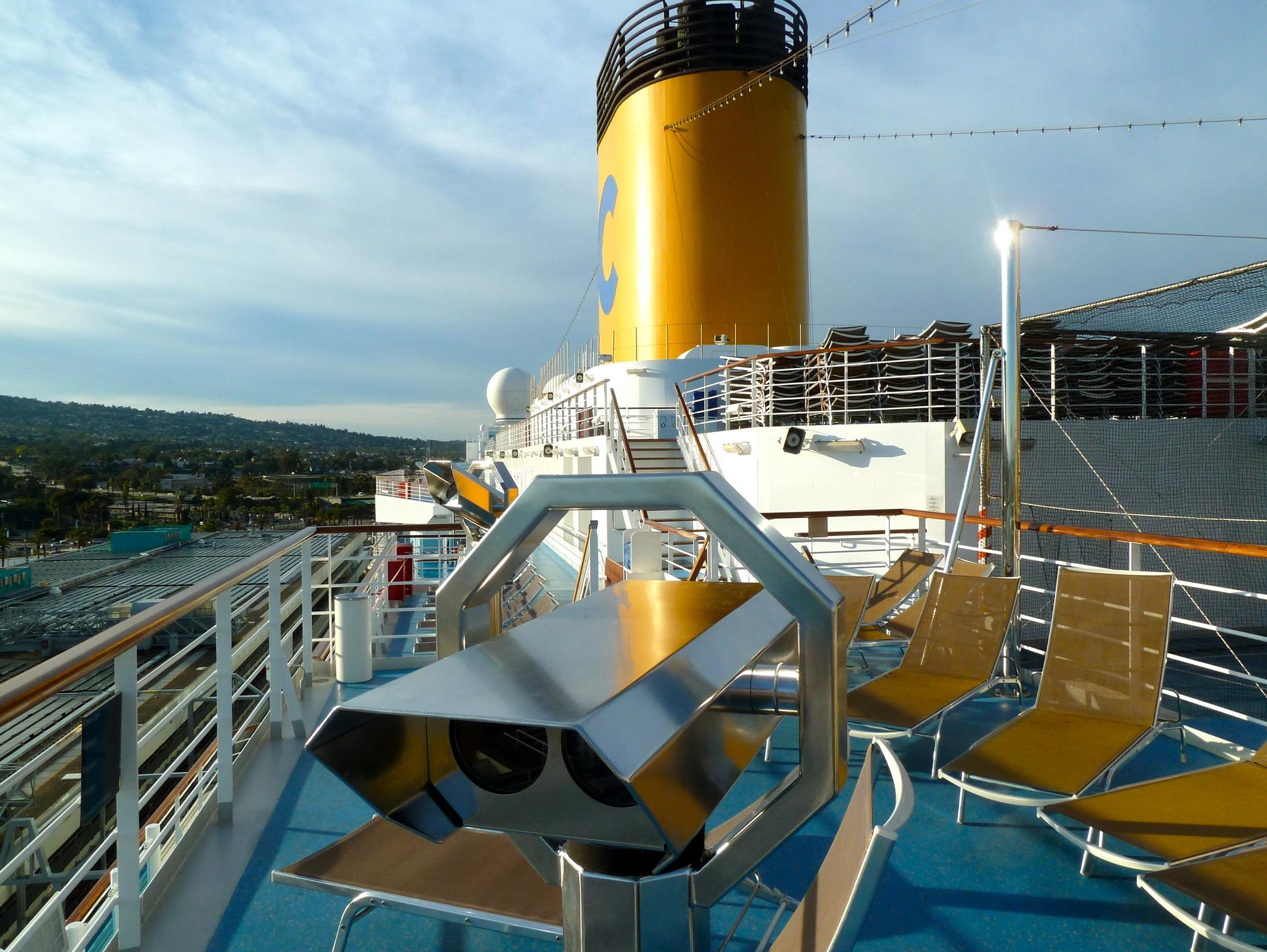 The aft portion of Fuxia Deck has terraces on either side with built-in telescopes and more sunning space.