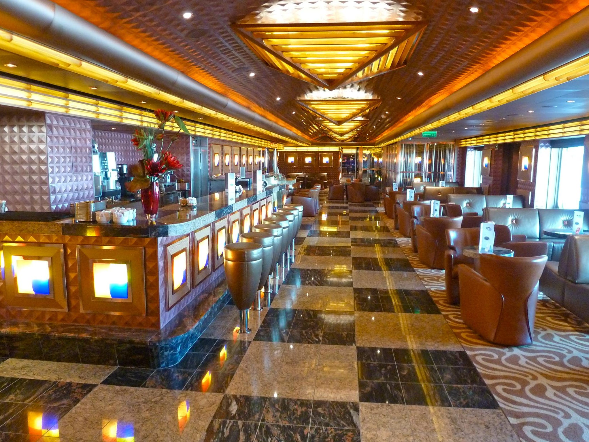 Adjoining the Piano Bar, the gallery-style Caffeteria Sugar is an attractive specialty coffee, chocolate and drinks bar on the starboard side of Azalea Deck.