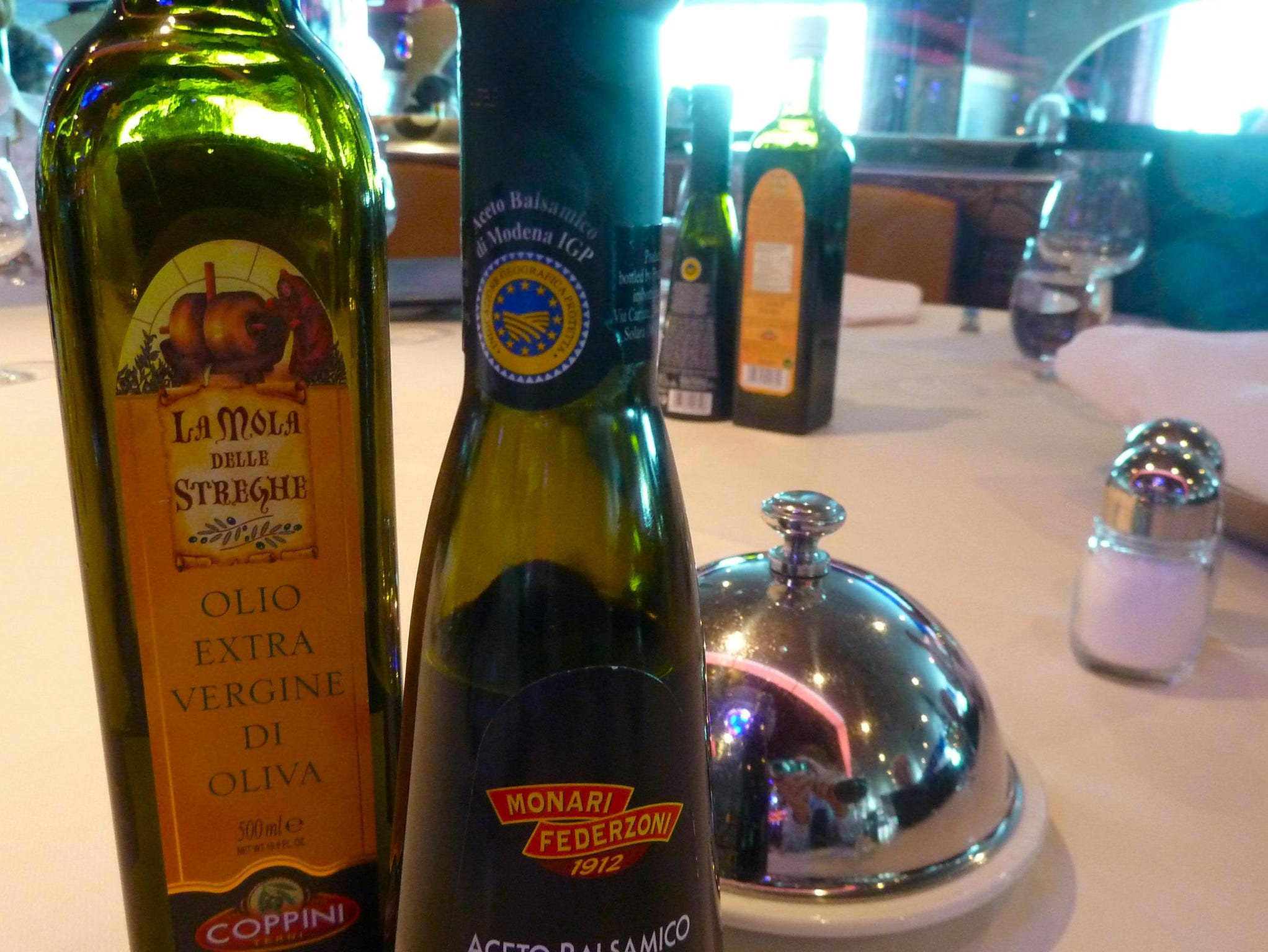 Extra-virgin olive oil and aged balsamic vinegar are always on hand to accompany the fresh-baked breads in the Restaurant Albatros.