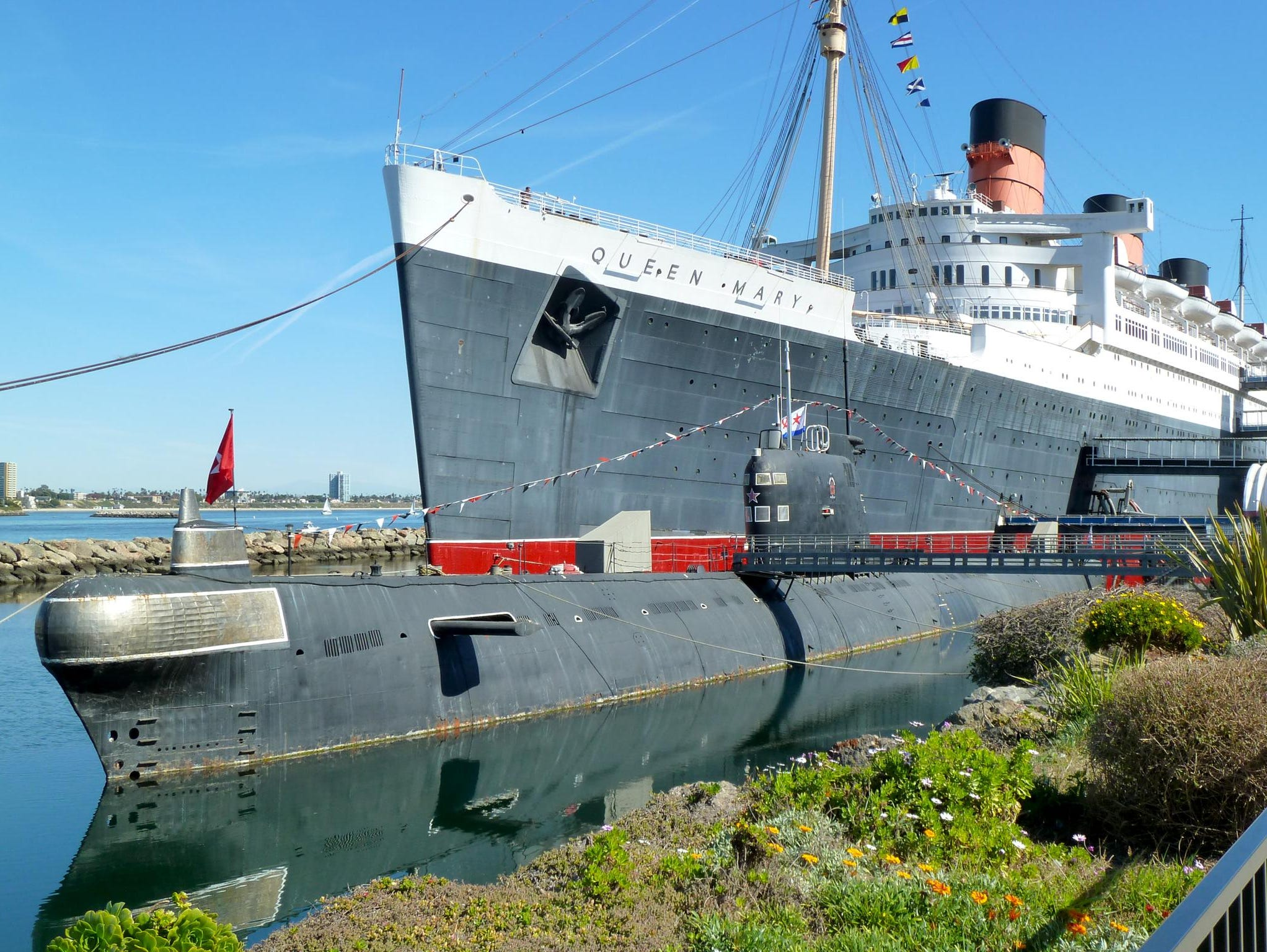 Now classified as a building, the Queen Mary was added to the National Register of Historic Places in 1993. The 1972-built Soviet submarine 'Scorpion' joined the Queen Mary as a side attraction in 1998.