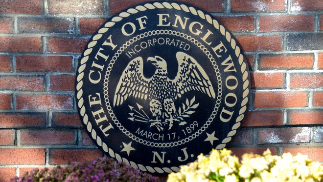 The City of Englewood seal.