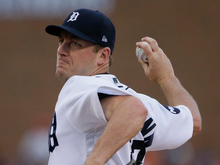 Jordan Zimmermann of the Detroit Tigers pitches against