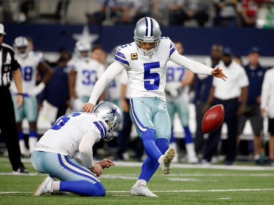 Cowboys_Cuts_Football_90773.jpg