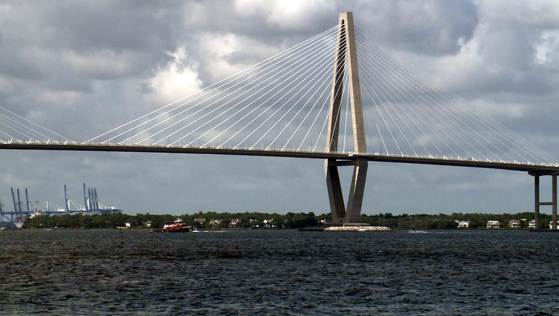 ravenel chat Southern charm is an american reality television series that debuted on march 3,  sudler-smith departed after the third, and ravenel left after the fifth.