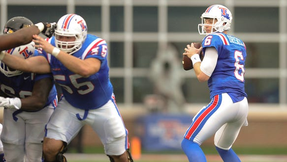Louisiana Tech quarterback Jeff Driskel drops back