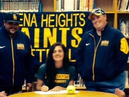 South Lyon senior Lindsay Brandon recently signed an NAIA letter of intent to play softball at Siena Heights University for the 2016 season. Brandon, who has been playing softball since age six, has overcome major surguries on both her knees.