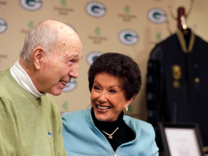 Former Green Bay Packers quarterback Bart Starr and
