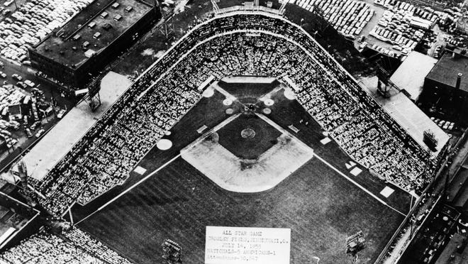 July 14, 1953: All Star Game at Crosley Field. Batuibaks - 5. Americans - 1. Attendance - 30,847. From a July 10, 1988 CAPTION: A crowd of 30,846 packed Crosley Field for Cincinnati's second All-Star Game on July 14, 1953. that was better than the crowd of 26,067 that attended the first game at Crosley in 1938.