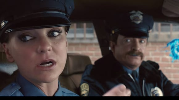 Actors Ana Faris and Rhys Darby star in Air New Zealand's