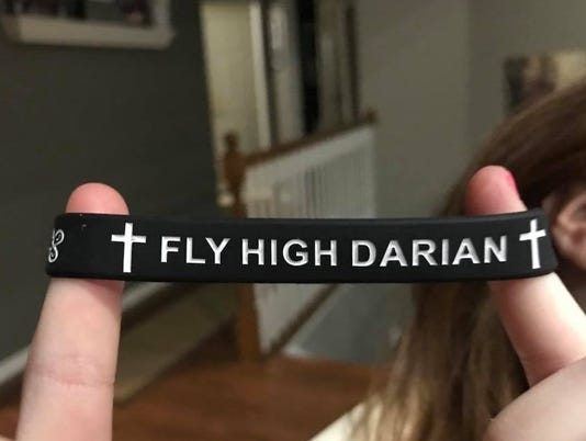 636601685305141116-Fly-high-darian.jpg