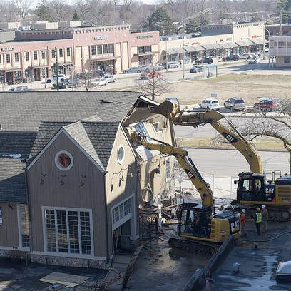 End of an era: Peabody's Restaurant is torn down