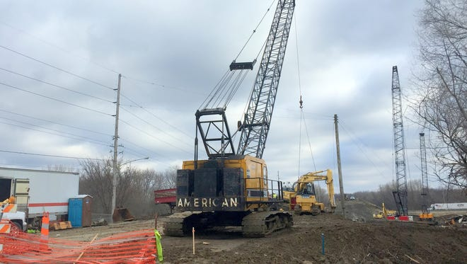 The Iowa Department of Transportation plans a record-busting $806 million in statewide road and bridge projects this construction season.