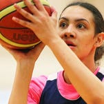 Tennessee Lady Vols signee Amira Collins moved by coach Holly Warlick's comments