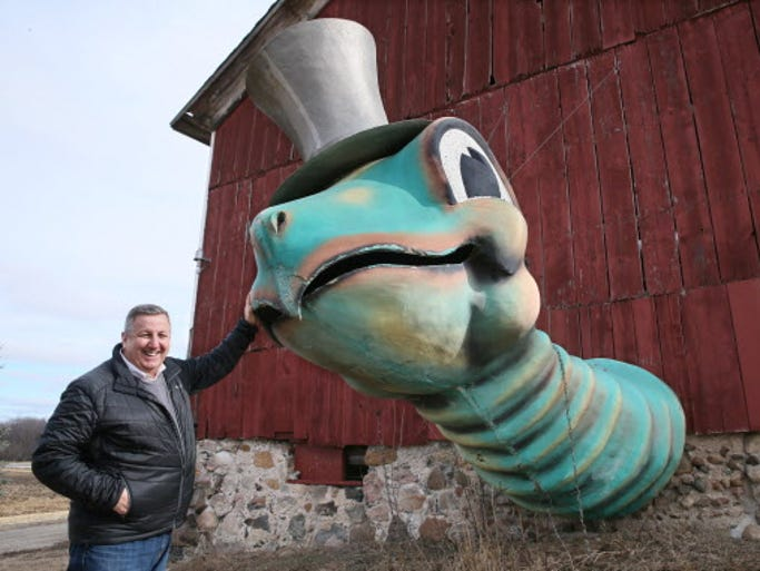 Gino Salomone with Mr. Sea, a giant turtle that use