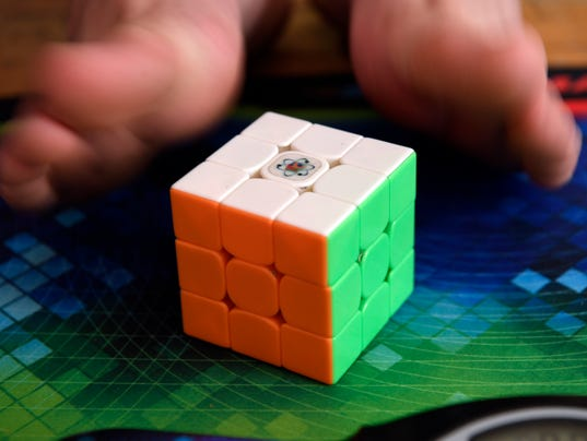 Rubiks cube feet