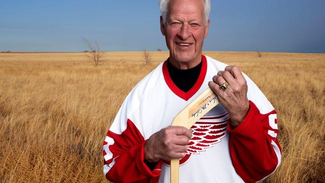 Detroit Red Wings hockey great Gordie Howe.