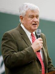 Cincinnati Reds owner and CEO Bob Castellini thanks