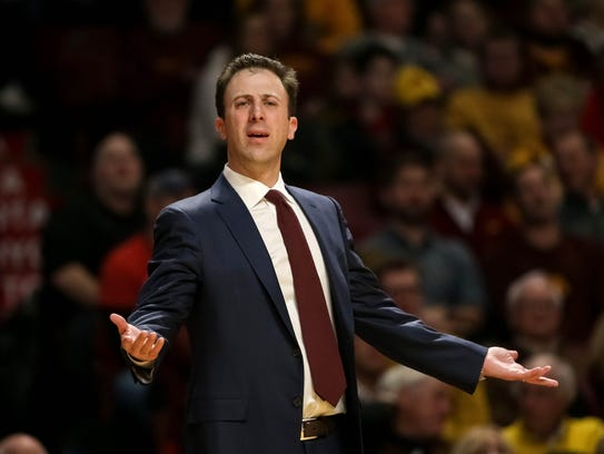 Minnesota Gophers head coach Richard Pitino
