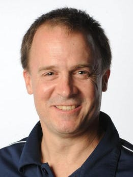 Loyola coach Kyle Tanner