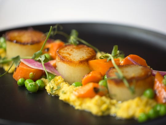 Rosemary potatoes with scallops is one of the vegetarian