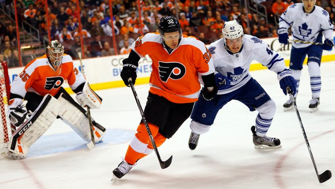 Mark Streit and the Flyers are trending upward while Tyler Bozak and the Maple Leafs are in the basement of the league.