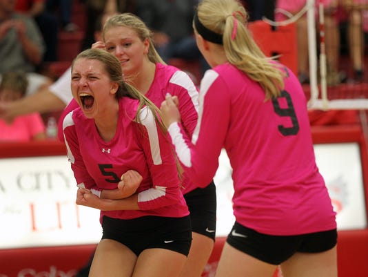 636112147138510345-IOW-1004-City-High-volleyball-01.jpg