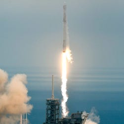 SpaceX cargo ship scrapped docking at space station