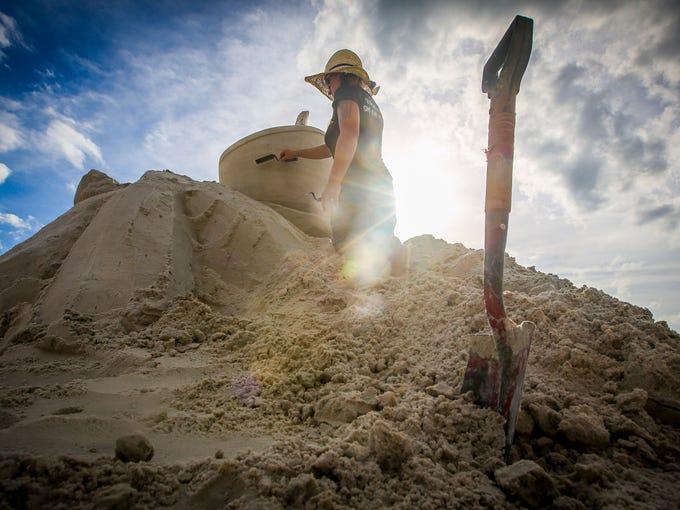 Master Sand Sculptor, Melineige Beauregard of Quebec,