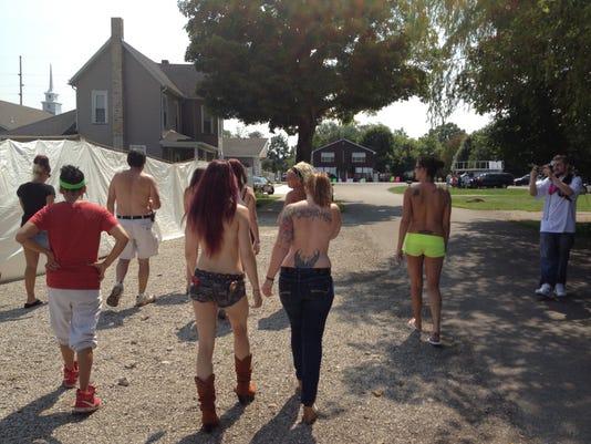 COSBrd_08-11-2014_Tribune_1_A001~~2014~08~10~IMG_COS_stripper_protest_1_1_8E.jpg