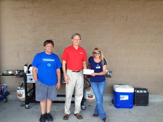 ELM 081414 sam's club red cross donation.jpg