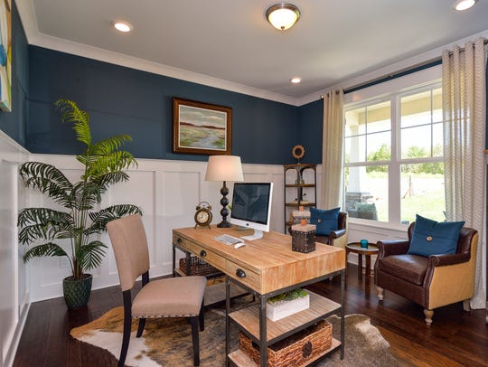 Owners can include a home office in their River Oaks