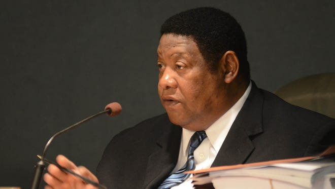 District 5 Supervisor Kenneth Stokes wants his old job back, but he faces six opponents for the Jan. 27 Ward 3 council election.