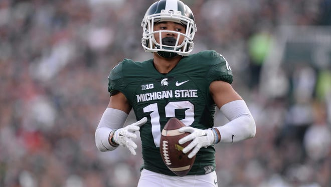 Senior wide receiver R.J. Shelton runs in for a touchdown during the game against Northwestern on Saturday, Oct. 15, 2016 at Spartan Stadium in East Lansing. Northwestern defeated MSU, 54-40.
