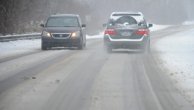 The snow should start falling around 10 p.m. Monday and is expected to continue through Tuesday morning rush hour, with the heaviest precipitation coming before dawn, Orow said.