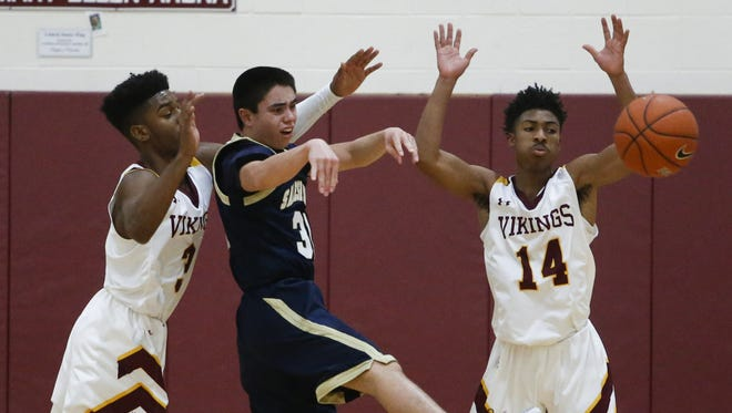 Salesianum's Mike Kempski, seen here, against St. Elizabeth's, scored the game-tying 3-pointer in regulation and hit the game-winning free throws in double overtime against St. Mark's on Friday.