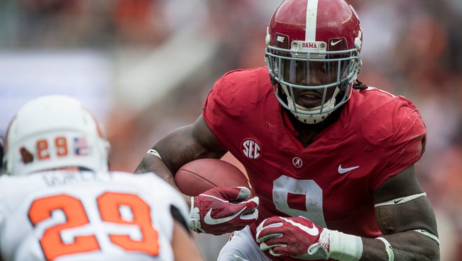 Alabama running back Bo Scarbrough (9) ran for 596 yards and eight touchdowns this season.
