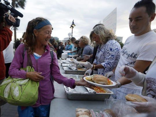 Homeless Feeding Fight (2)