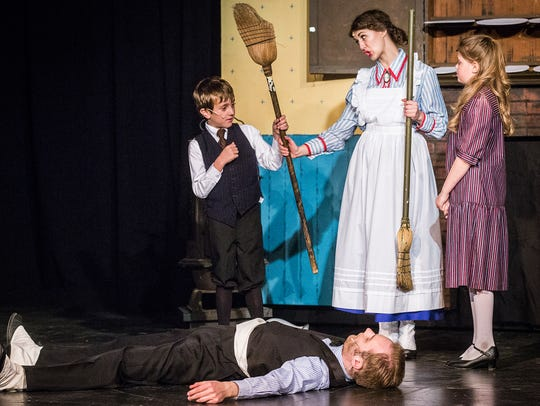 The cast of Mary Poppins sings 'A Spoonful of Sugar'