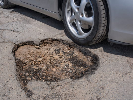 pothole177587539-12683750.JPG