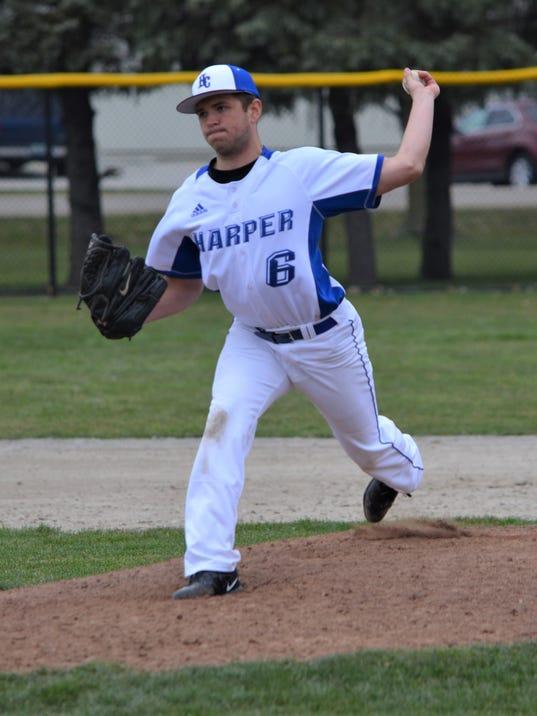 636600888161167540-harper-pitcher.JPG