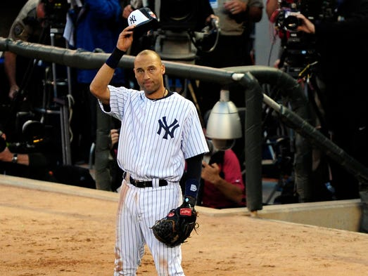 Derek Jeter receives a standing ovation after his exit in the fourth inning of the All-Star Game.