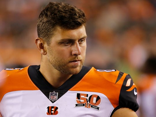 Cincinnati Bengals tight end Tyler Eifert (85) walks