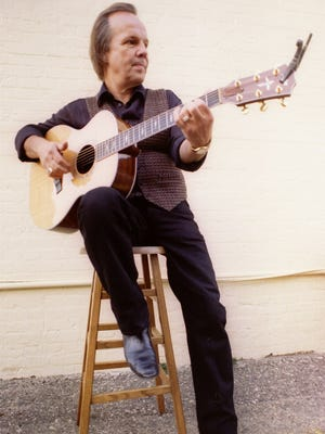 Bobby Vee is shown in a photo from April 2000.