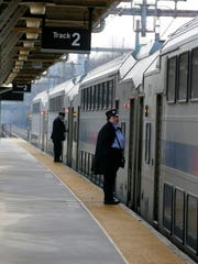 NJ Transit train stops to pick up and drop off passengers