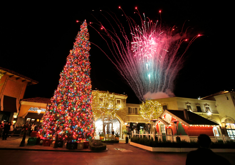 & Holiday tree-lighting ceremonies in Ventura County azcodes.com