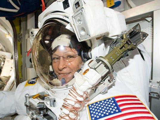 whitson-spacewalk-052217